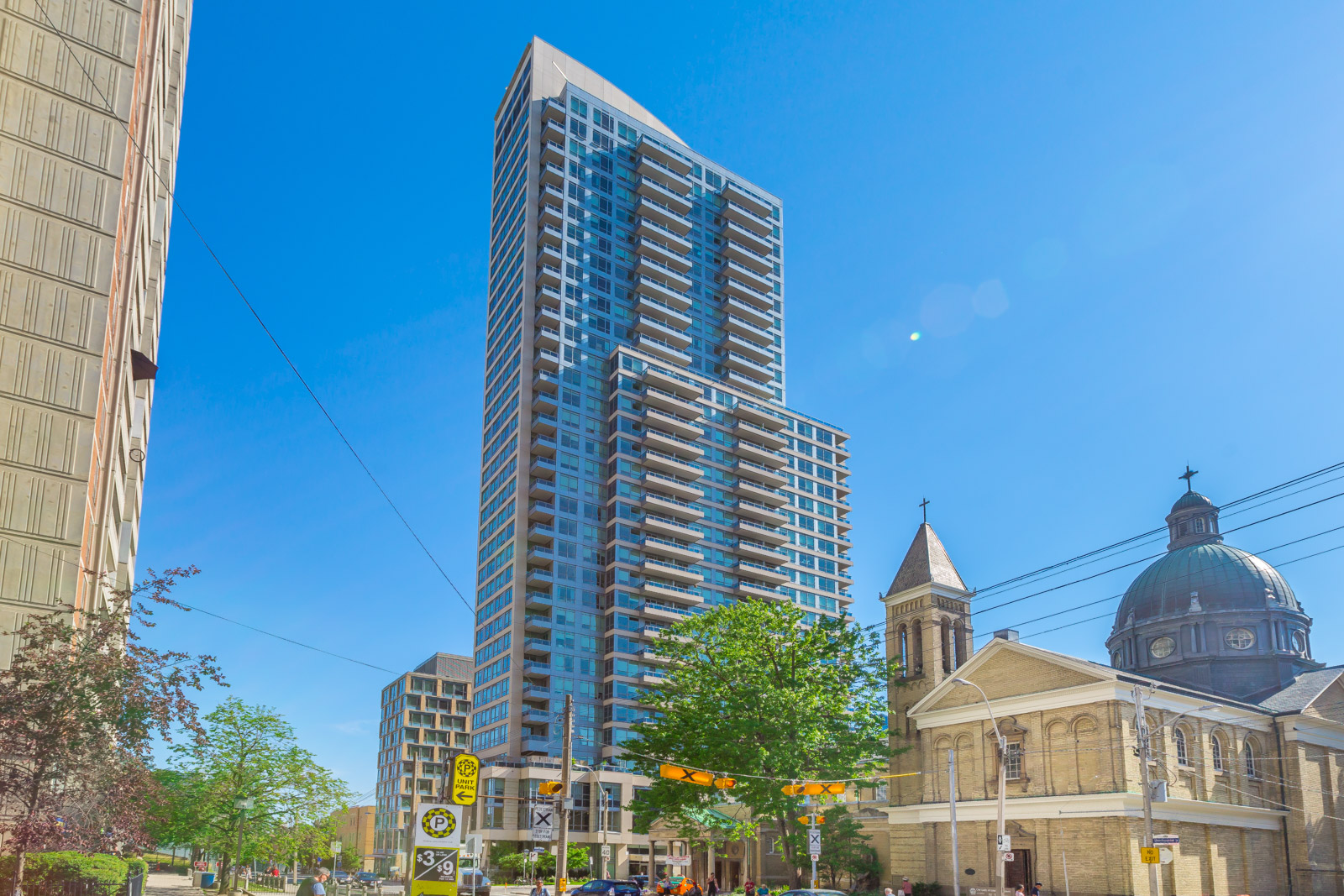SOLD OVER ASKING IN 1 DAY! – 500 Sherbourne St #2703
