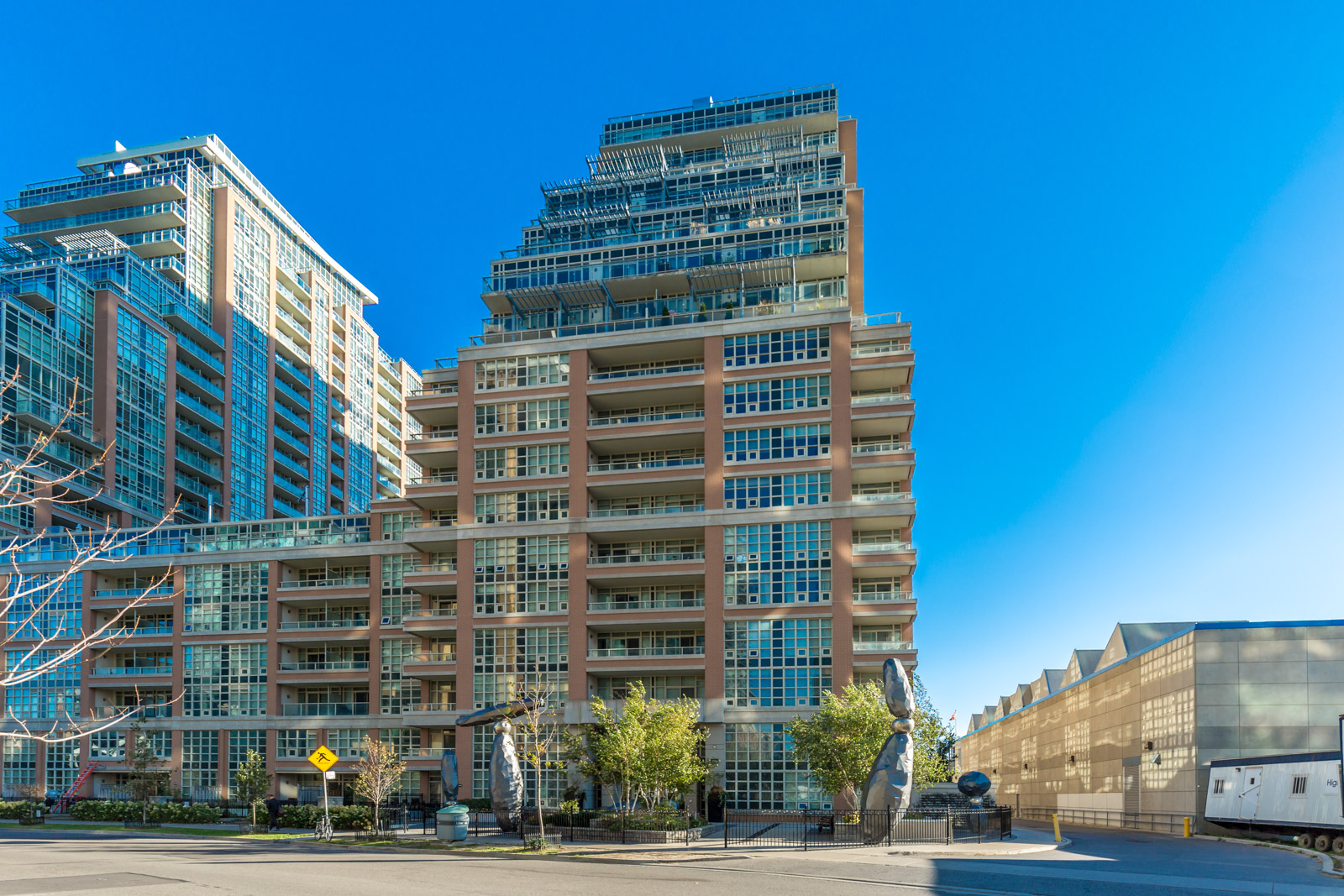 SOLD – 85 East Liberty St Th22