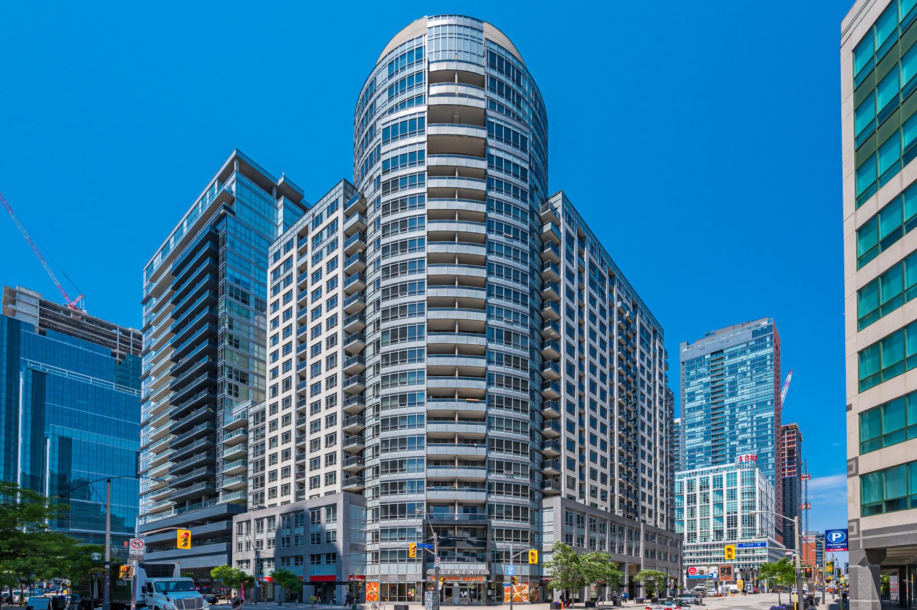 New Listing – 20 Blue Jays Way 521, Toronto
